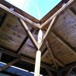 Drvena konstrukcija nadstrešnice - unutrašnjost