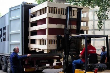 pakiranje robe u kontejner otprema
